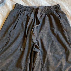 Lululemon Core short , small, excellent condition
